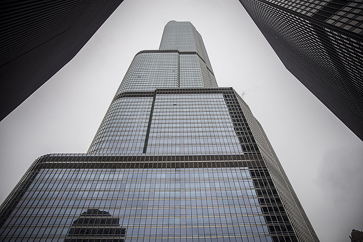 Profile of the Trump Tower Chicago